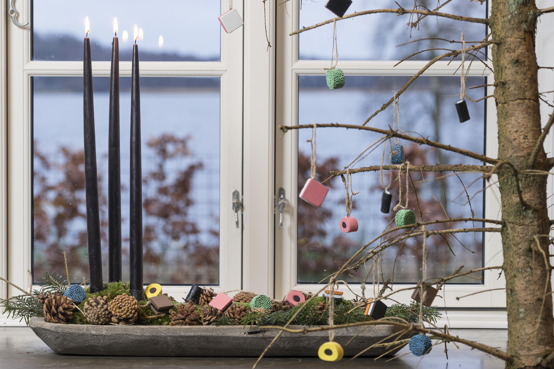 Avanceret Julepynt - vi har mange søde nisser og led lyskugler og pynt der WE45