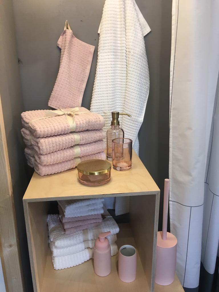 Juna håndklæder