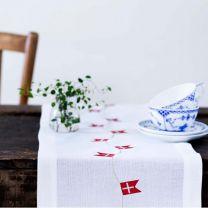 Langkilde & Søn bordløber med dannebrog 30x175 cm