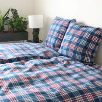 BySkagen  ´Julie´  bæk & bølge sengetøj 200x220 cm - Blå/røde tern